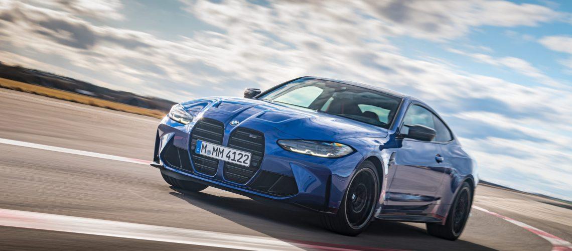 BMW M4 blue 012