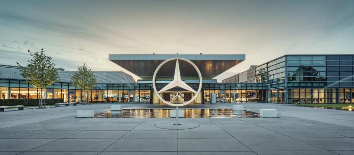 Screenshot_2020-10-09 Mercedes-Benz-Sindelfingen jpg (immagine WEBP, 2048 × 850 pixel) - Riscalata (66%)